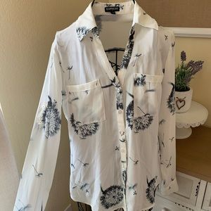 2/$25 DEAL | XS EXPRESS White Dandelion Shirt